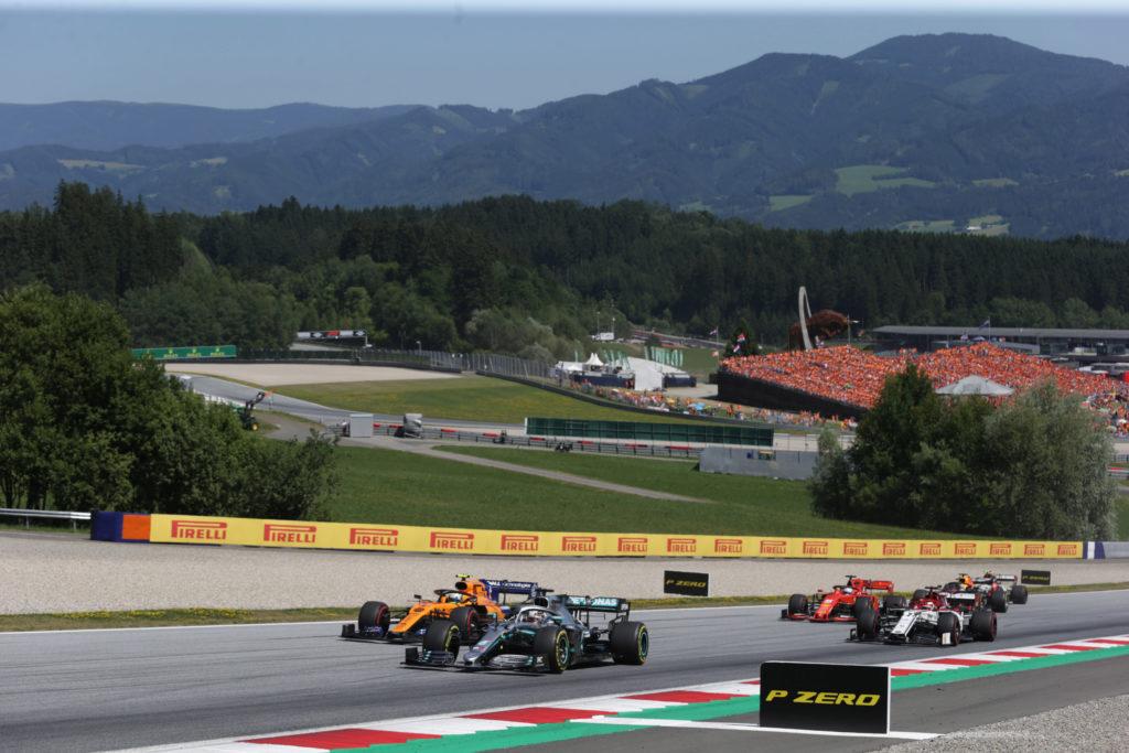 "Formula 1   Hamilton promuove Norris e la McLaren: ""Crescita impressionante"""