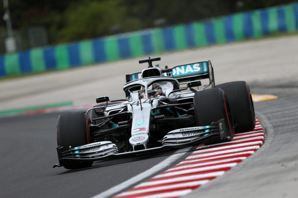Formula Uno, ancora Hamilton, lente le Ferrari