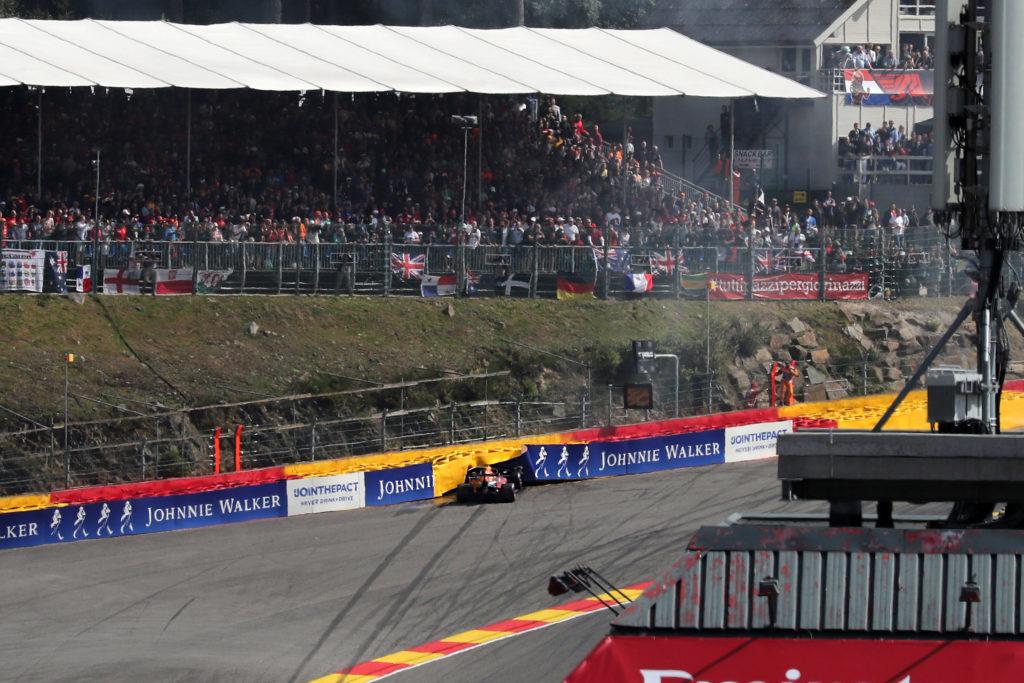 """F1   Red Bull, Verstappen fuori al primo giro: """"Sono cose che accadono"""""""