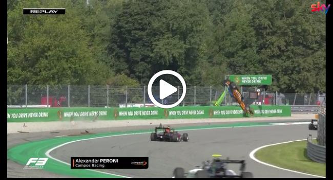 F3 Monza, incidente per Peroni: macchina prende il volo. Illeso