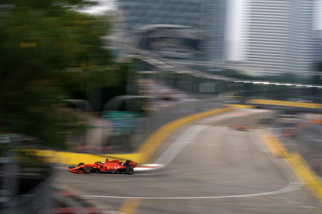 F1 | GP Singapore, Leclerc e Vettel due lampi rossi nella notte di Marina Bay