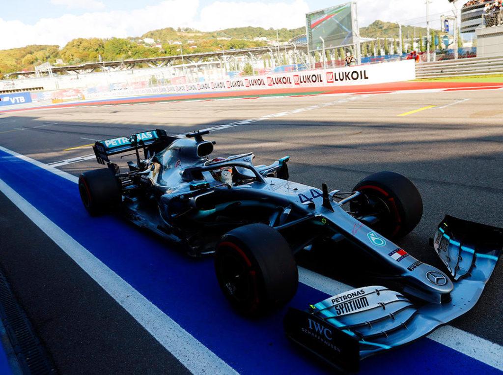 F1 | Lewis Hamilton, la Ferrari, la volpe e l'uva…