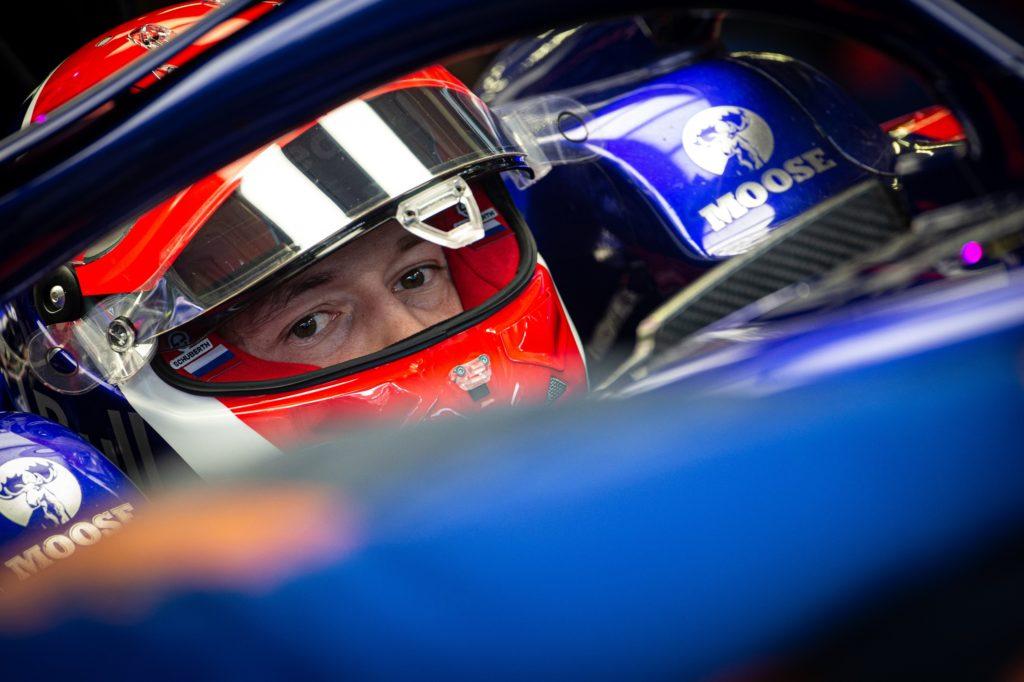 F1   GP Messico, dieci secondi di penalità a Kvyat per il contatto con Hulkenberg