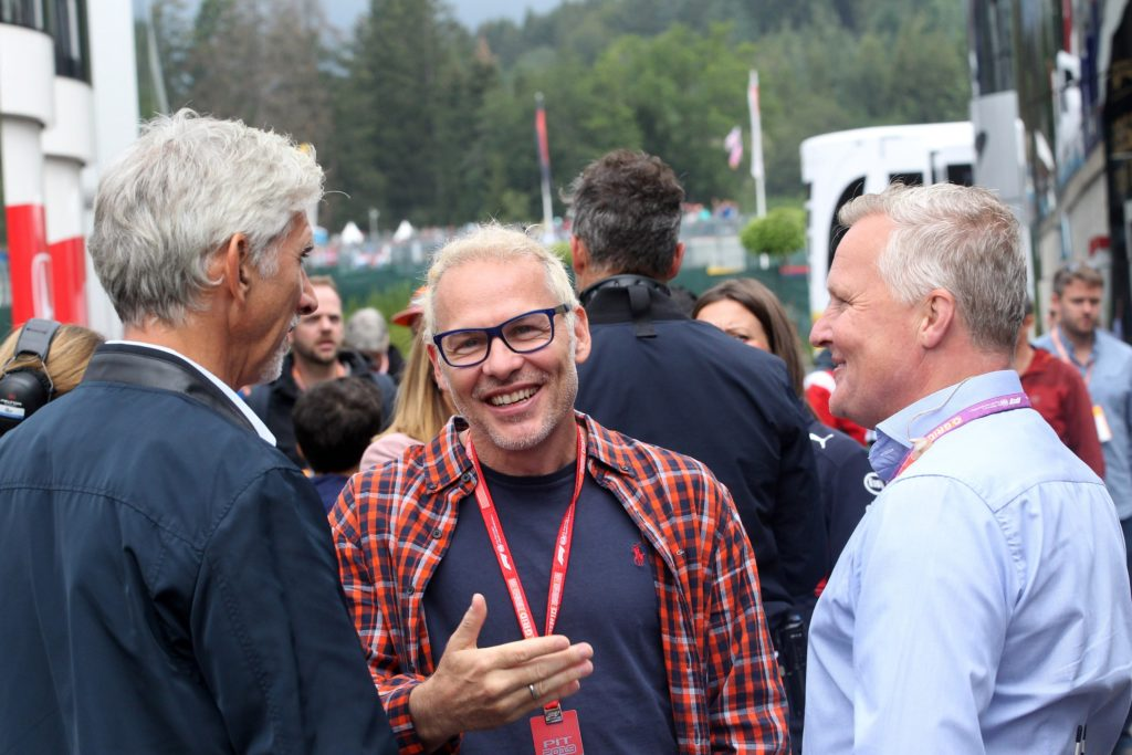 "F1 | Regolamenti 2021, Villeneuve la tocca piano: ""Il budget cap è una ca**ta"""