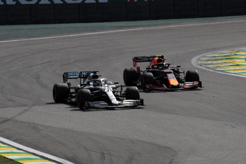 F1 | GP Brasile, Hamilton penalizzato: Sainz sul podio!