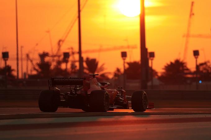 F1   Test Abu Dhabi: Ferrari in pista con i piloti ufficiali