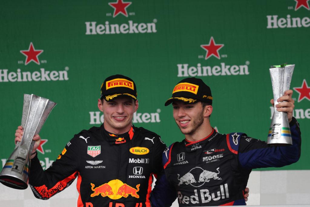 F1 | Pagelle GP Brasile – Verstappen protagonista, Albon e Sainz da sogno. Autodistruzione Ferrari