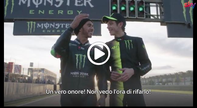 """Hamilton al settimo cielo: """"Lo scambio con Rossi? Una giornata storica"""" [VIDEO]"""