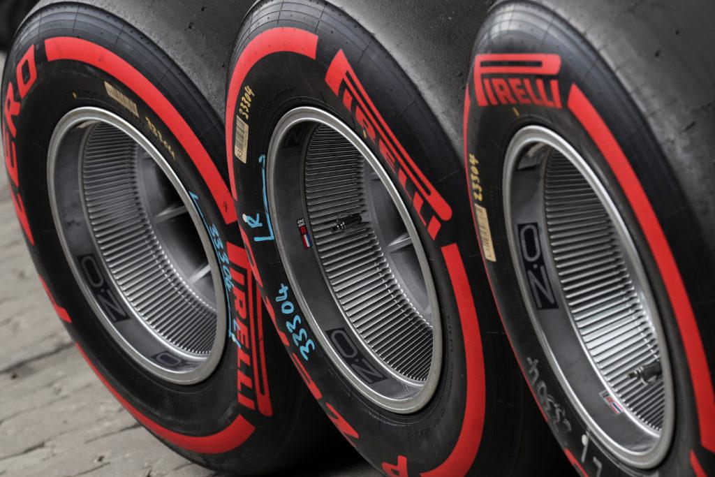 F1, nel 2020 si correrà ancora con le gomme 2019