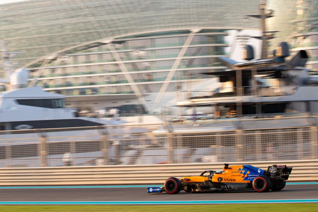 F1 | McLaren, svelata la prova sedile di Norris sulla MCL35 [VIDEO]
