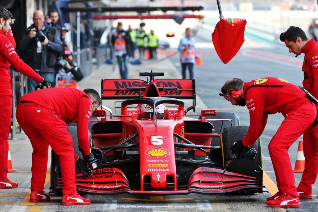 F1 | Test Barcellona, sostituzione della power unit sulla Ferrari di Vettel