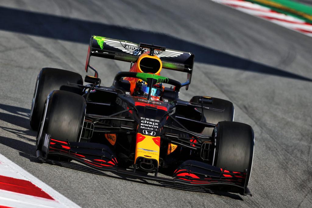 F1 | Red Bull, Albon rallentato da un problema alla sospensione