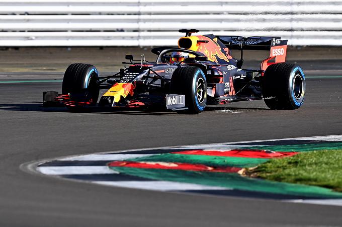 F1   Red Bull: Verstappen in pista nel primo giorno di test