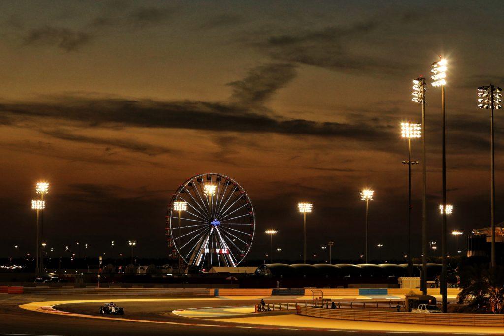 F1 | Coronavirus, stop alla vendita dei biglietti per il GP del Bahrain: il Vietnam impone la quarantena agli italiani