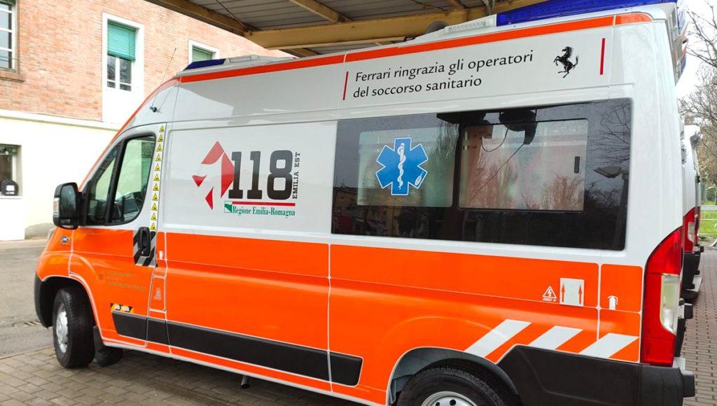 Coronavirus, Ferrari dona ambulanza all'AUSL Modena