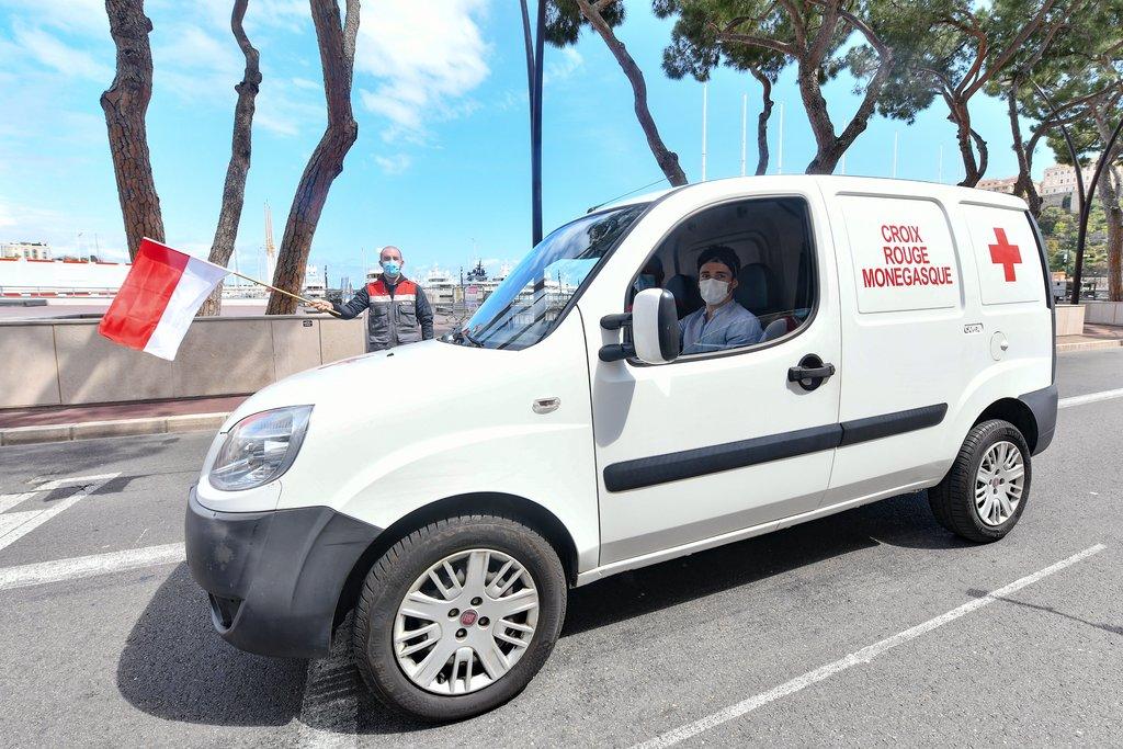 F1   Leclerc volontario della Croce Rossa di Monaco [VIDEO]