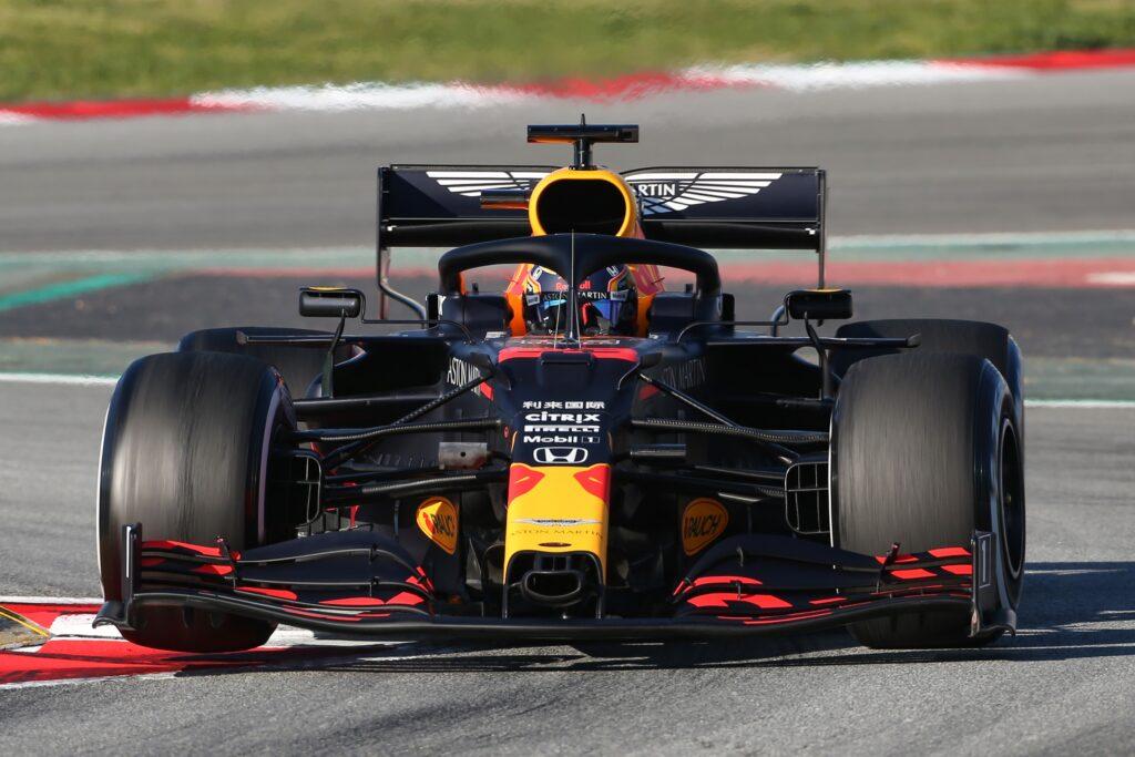 F1 | Red Bull, strategia sbagliata per Albon nel Virtual GP di Spagna