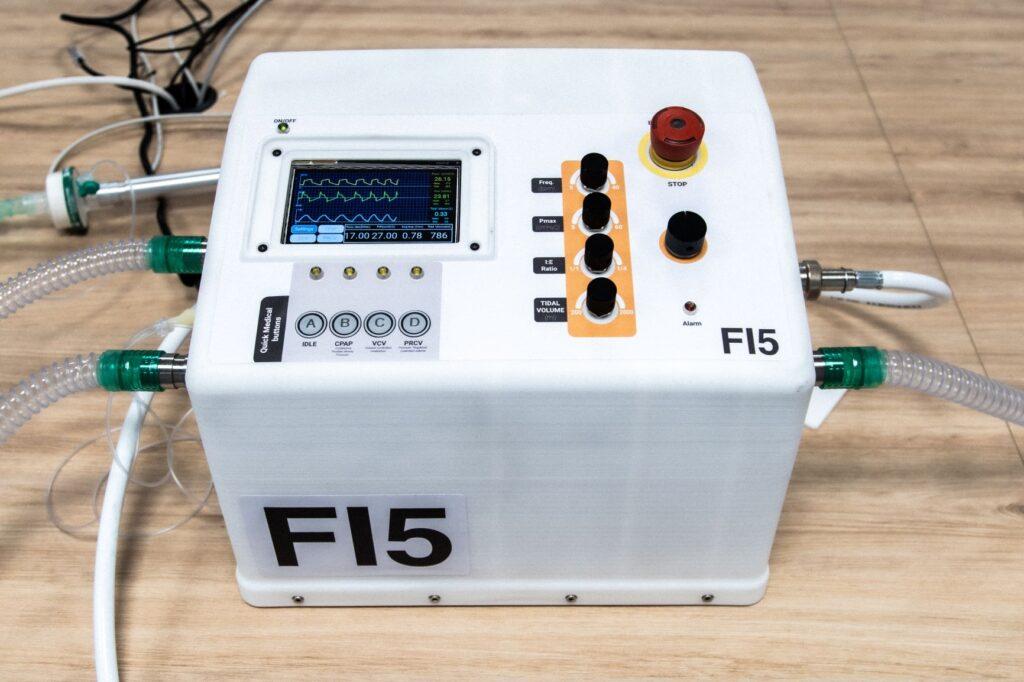 Ferrari e ITT presentano l'FI5 per la lotta al Coronavirus