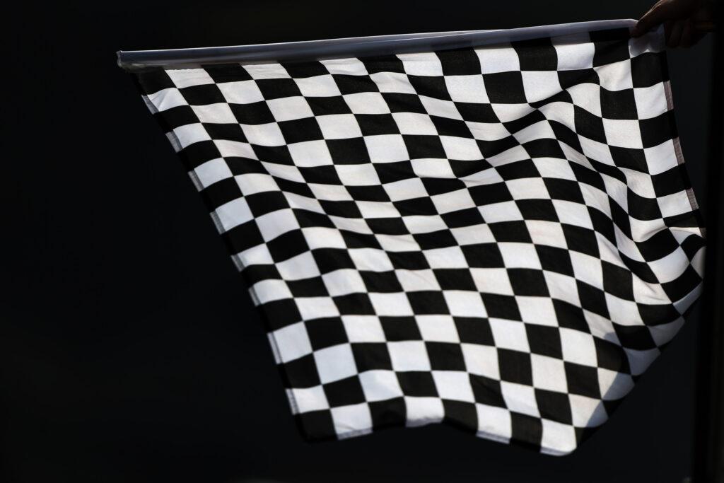 F1 | #WeRaceAsOne, in vendita la bandiera a scacchi di ogni GP per beneficenza