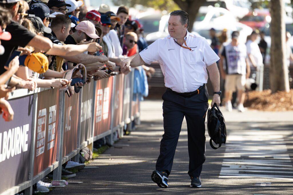 """F1   Zak Brown ai fan: """"Correre porta gioia, è vita! Aprite i vostri cuori alla magia delle corse"""""""