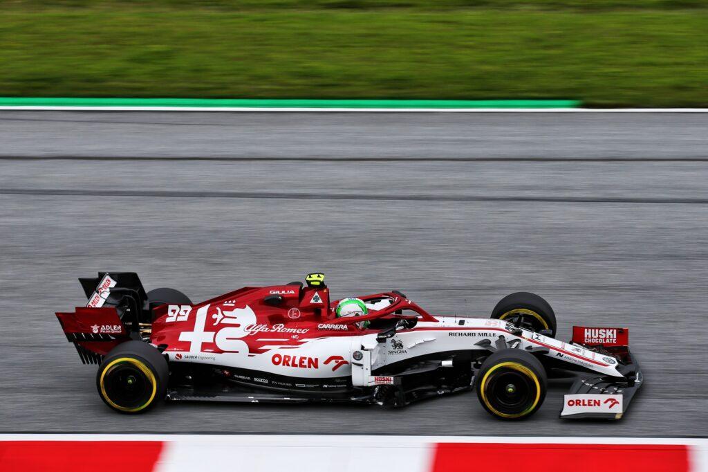 F1 | Sostituzione della centralina sull'Alfa Romeo di Giovinazzi