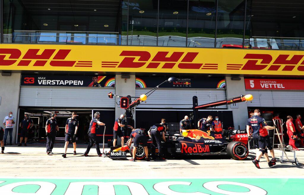 La Mercedes di Bottas vince in Austria. Hamilton penalizzato fa gioire Leclerc