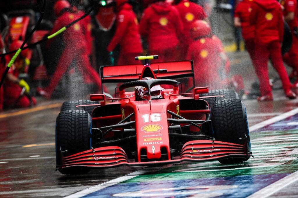 F1 | Ferrari, penalità di tre posizioni in griglia per Leclerc