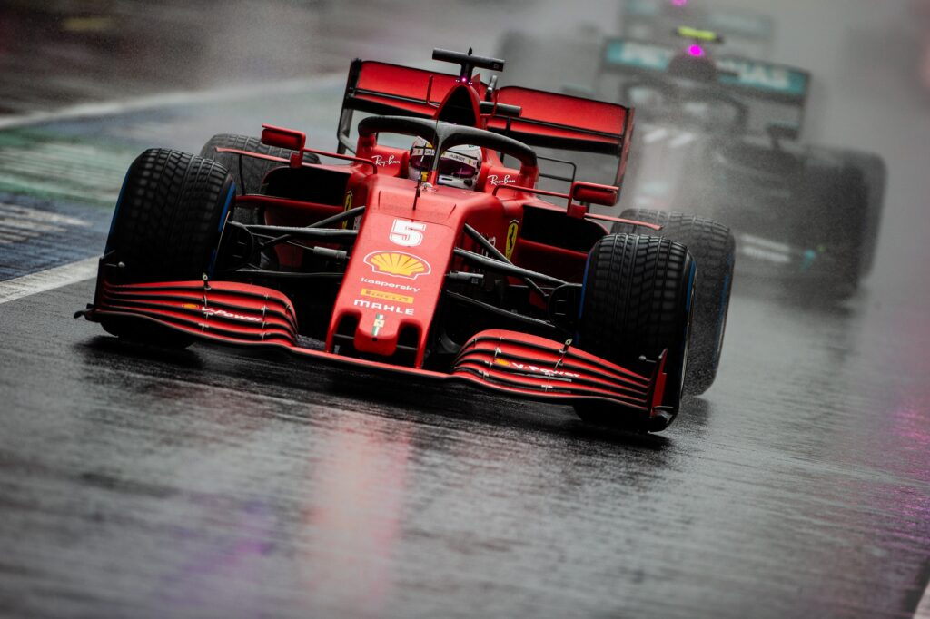 """F1   Ferrari, Vettel: """"Facciamo troppa fatica a mandare in temperatura le gomme"""""""