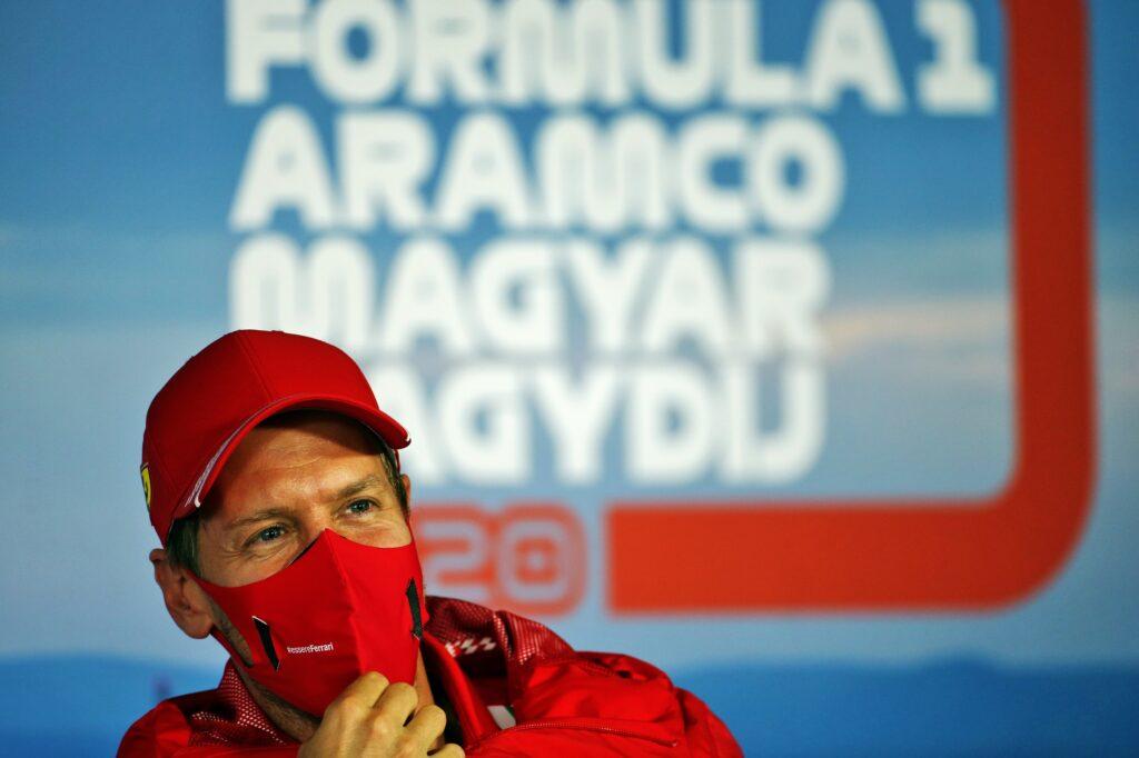 """F1   Vettel e l'addio con Ferrari: """"Poteva essere gestito meglio, ma guardo al futuro"""""""