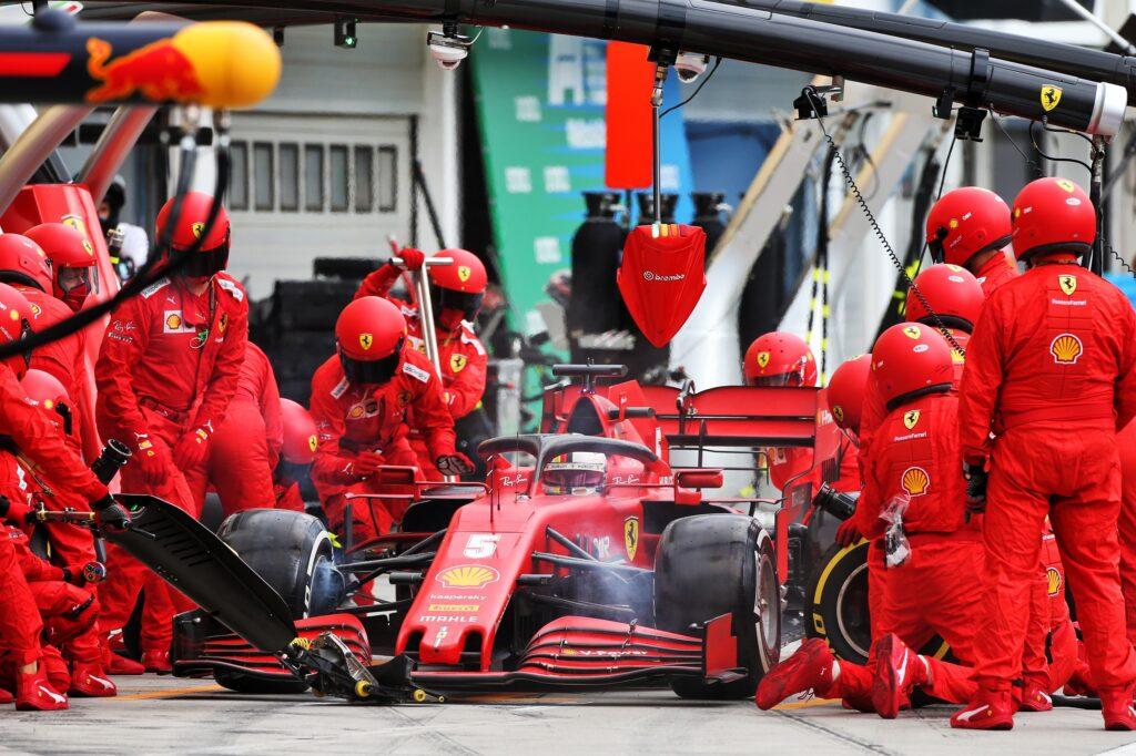F1   Pagelle GP Ungheria: Mercedes umilia la Formula 1, Vettel si fa le strategie da solo