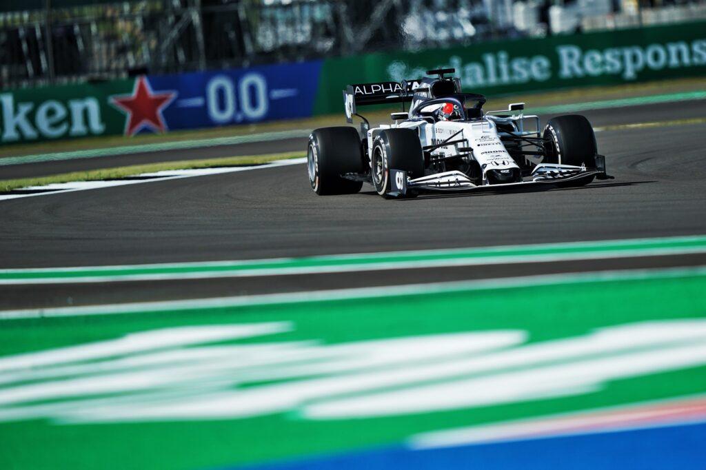 F1 | Silverstone, sostituzione del cambio e penalità in griglia per Kvyat