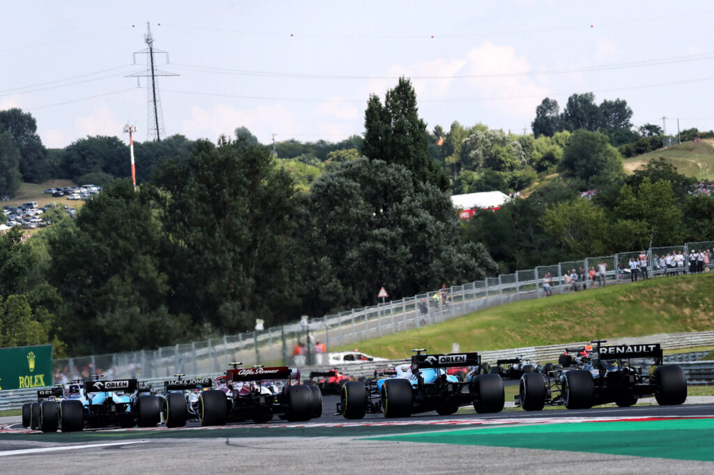 F1: Ungheria; Mercedes domina prime libere, Ferrari dietro