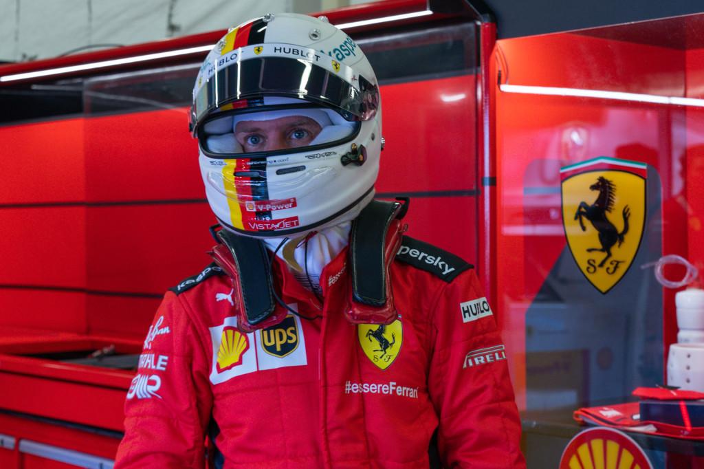 Formula 1, pole con record per Hamilton: disastro Ferrari, 13esima e 14esima