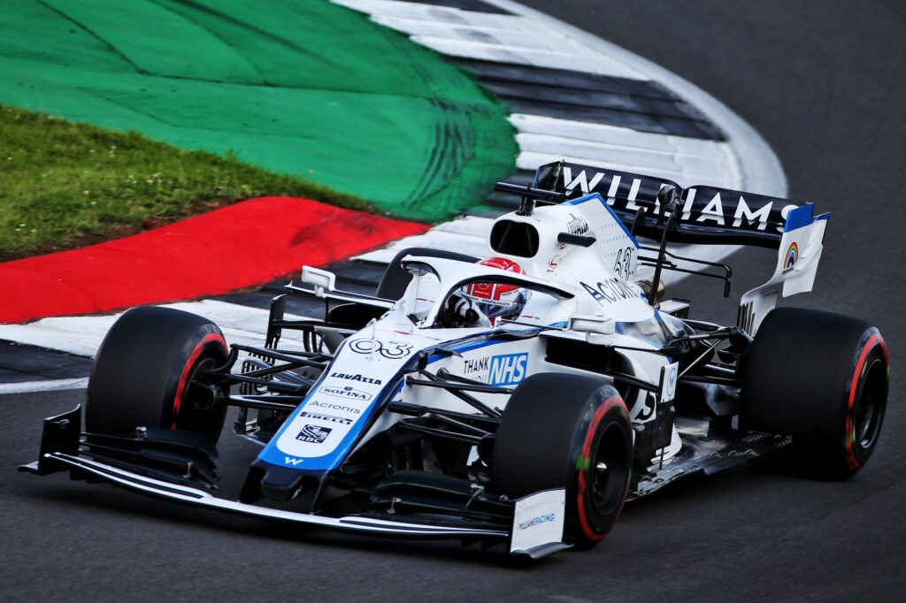 F1 | Silverstone: Russell porta la Williams in Q2 ma la penalità lo relega in ultima fila