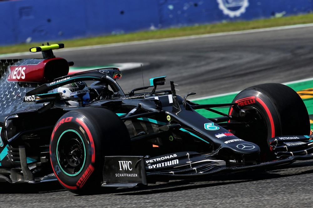 Formula 1, Mercedes devastante a Monza. Super pole di Hamilton, disastro Ferrari