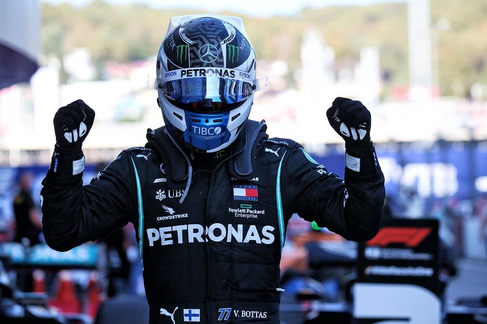 Bottas aprovecha el error de Hamilton y gana el Gp. de Rusia