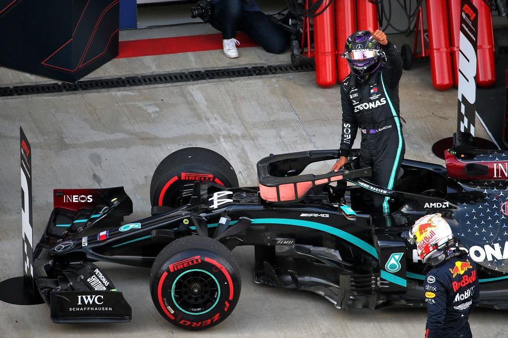 """F1   Mercedes, Hamilton in pole con qualche brivido: """"È stata una delle peggiori qualifiche"""""""