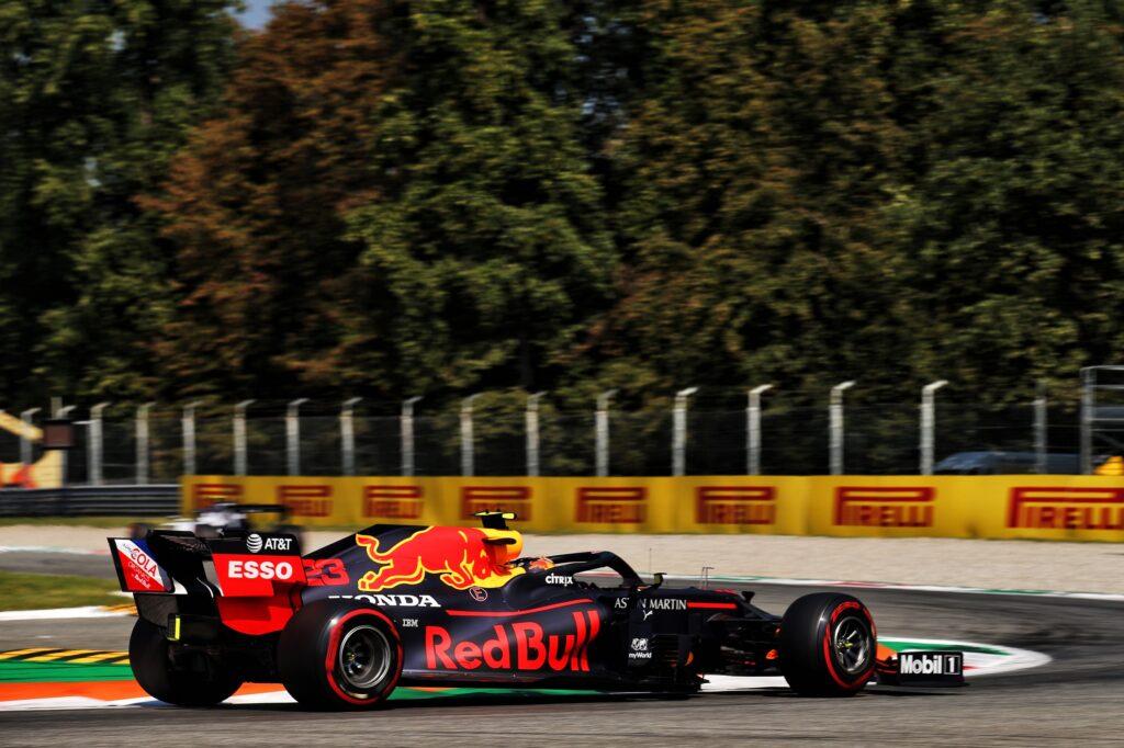 F1 | Red Bull, Albon quindicesimo tra fondo danneggiato e penalità