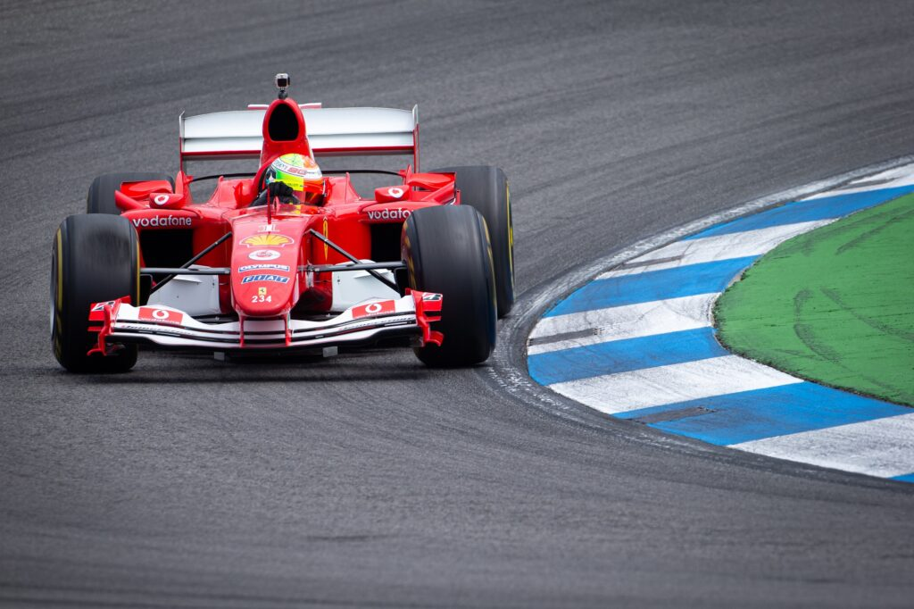 F1   Ferrari, Mick Schumacher sulla F2004 di papà Michael al Mugello