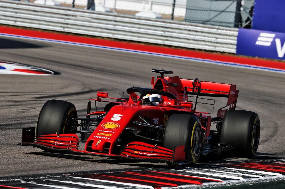 Vettel sui problemi in Ferrari allude ma non dice: un rispetto che è amore vero