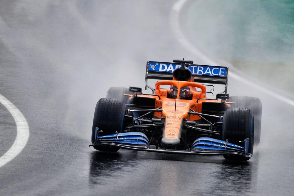F1 | McLaren, Seidl spiega le ragioni che hanno portato la Ferrari a puntare su Sainz