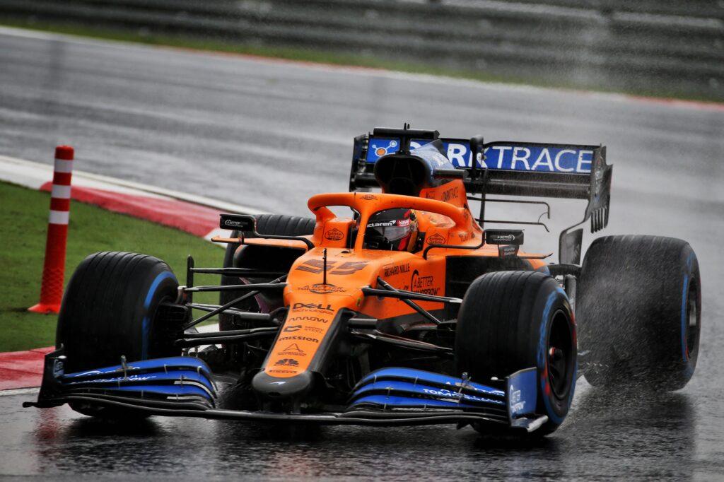 F1 | GP Turchia, tre posizioni di penalità in griglia per Sainz