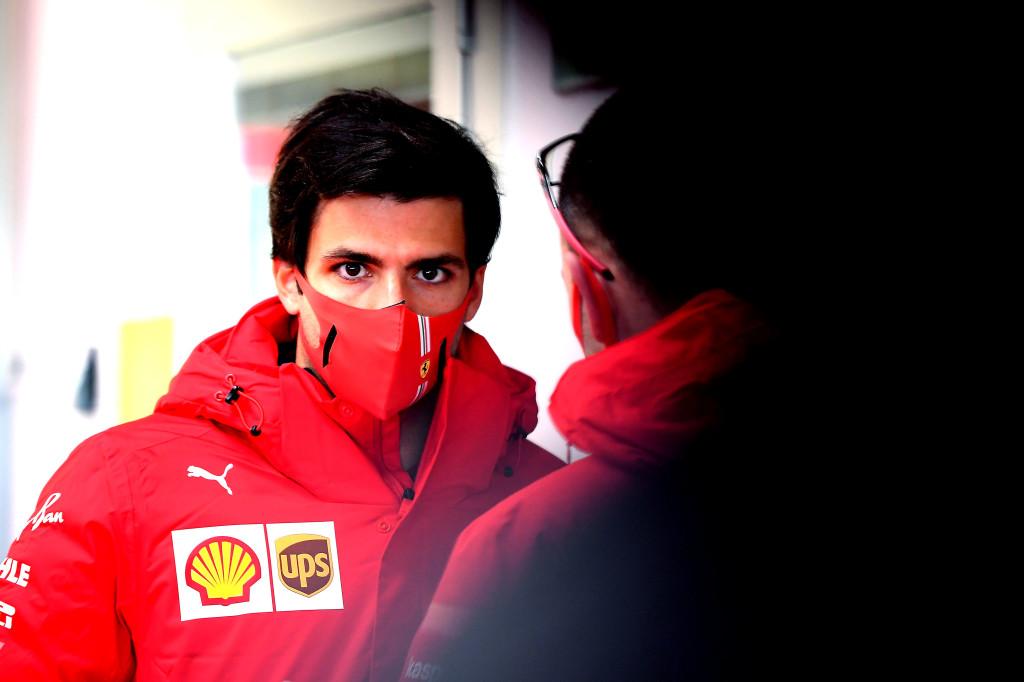 F1   Ferrari, debutto per Carlos Sainz alla guida della SF71H