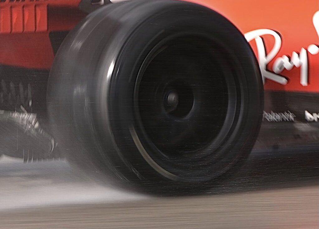 F1 | Test Pirelli, 110 giri per Leclerc