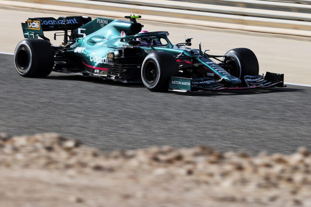 F1 | GP Bahrain, cinque posizioni di penalità in griglia per Vettel
