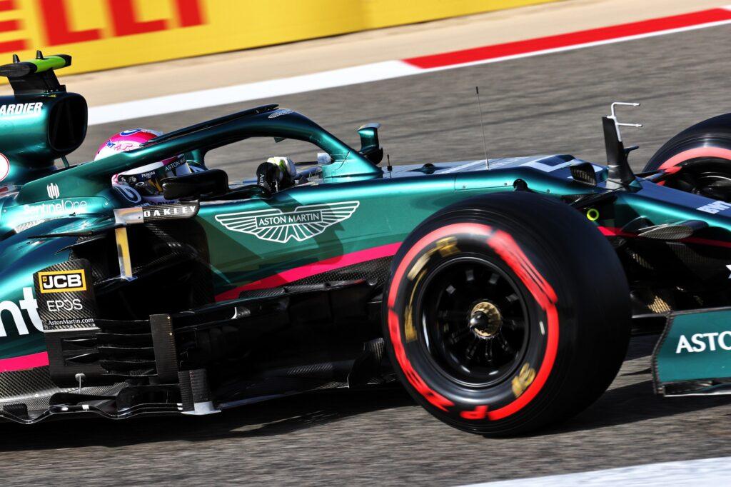 F1 | Aston Martin, Vettel eliminato in Q1 a causa di una doppia bandiera gialla
