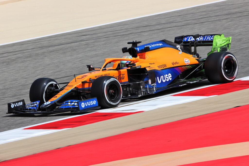 F1   Test Bahrain, Ricciardo e Alonso dettano il passo al mattino