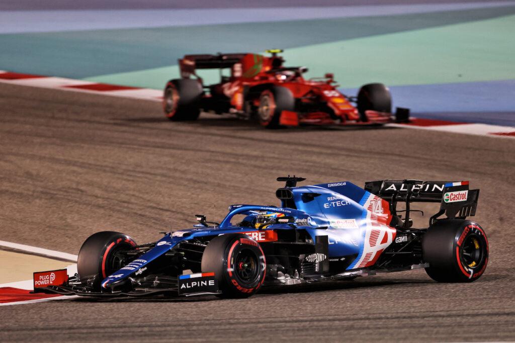 """F1   Alonso non ha dubbi: """"La Ferrari non deve lottare con l'Alpine"""""""