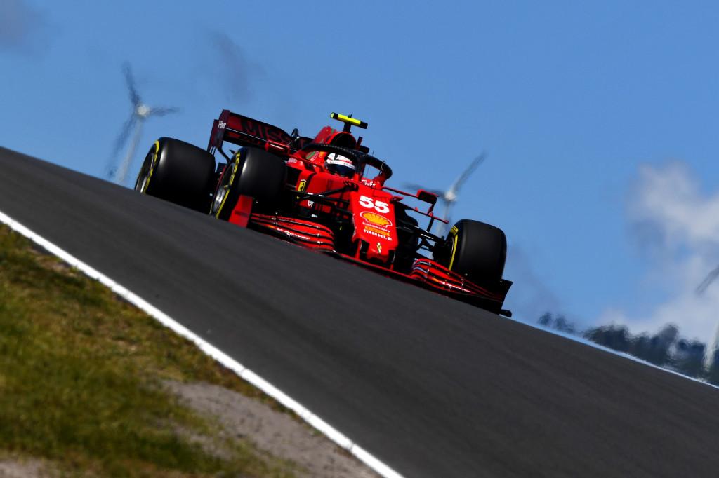 """F1   Ferrari, Sainz: """"Mi sento più a mio agio con la macchina"""""""
