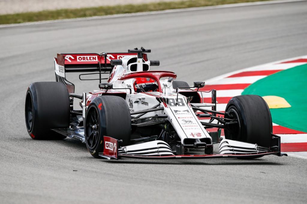 F1 | Test Pirelli, Alfa Romeo e Red Bull in pista a Barcellona con le 18 pollici
